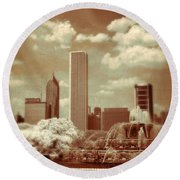 Buckingham Fountain In Chicago Round Beach Towel