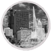Buckingham Fountain Sears Tower Black And White Round Beach Towel