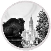 Buffalo Statue On The Parkway Round Beach Towel