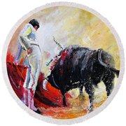 Bull In Yellow Light Round Beach Towel