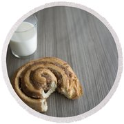 Bun And Milk Round Beach Towel