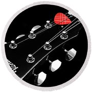 Bw Head Stock With Red Pick  Round Beach Towel