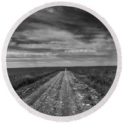 Bxw Gravel Vanishing Point Round Beach Towel