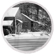 Cabin Fever In Black And White Round Beach Towel