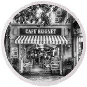 Cafe Beignet Morning Nola - Bw Round Beach Towel