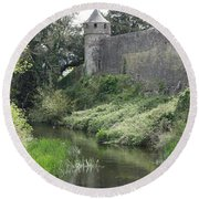 Cahir Castle Wall And River Suir Round Beach Towel