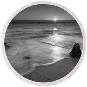 Calm Winter Waves Bw Round Beach Towel
