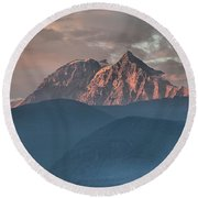 Canadian Coastal Mountains Sunset Round Beach Towel
