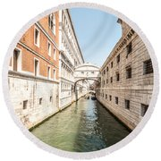 Canals Of Venice Round Beach Towel