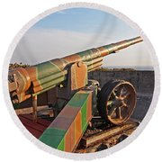 Cannon In Fortress Round Beach Towel