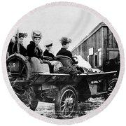 Car Race, 1908 Round Beach Towel
