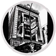 Carlos And Pepe's Montreal Mexican Bar Bw Round Beach Towel