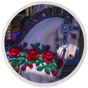 Carrsoul Horse With Roses Round Beach Towel