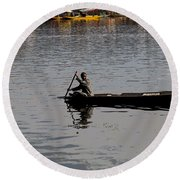 Cartoon - Kashmiri Man Rowing A Small Wooden Boat In The Waters Of The Dal Lake Round Beach Towel