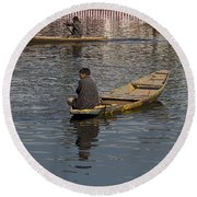 Cartoon - Kashmiri Men Rowing Many Small Wooden Boats In The Waters Of The Dal Lake Round Beach Towel