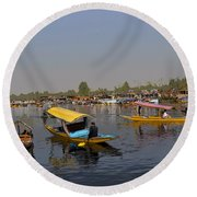 Cartoon - Multiple Number Of Shikaras On The Water Of The Dal Lake In Srinagar Round Beach Towel