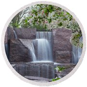 Cascading Waters At The Roosevelt Memorial Round Beach Towel