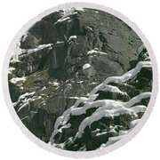 104619-castle Rock In Winter Dress Round Beach Towel