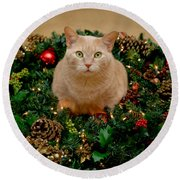 Cat And Christmas Wreath Round Beach Towel