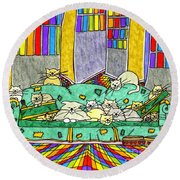 Cat Family - In The City Round Beach Towel