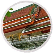 Cat On A Wat Po Roof In Bangkok-thailand Round Beach Towel