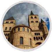 Cathedral And Church Of Our Lady  Round Beach Towel