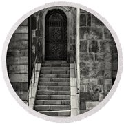 Cathedral Door And Steps Round Beach Towel