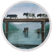 Cattle Crossing Round Beach Towel
