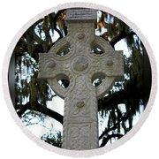 Celtic Cross In Savannah Round Beach Towel