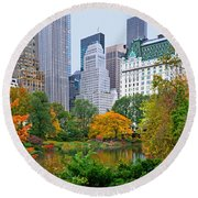 Central Park And Fifth Autumn View Round Beach Towel