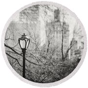 Central Park Lamppost In New York City Round Beach Towel