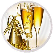 Champagne And New Years Party Decorations Round Beach Towel