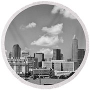 Charlotte Skyline In Black And White Round Beach Towel