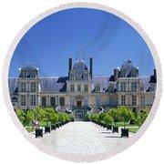 Chateau De Fontainebleau Ile De France Round Beach Towel