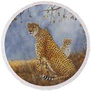 Cheetah With Cub Round Beach Towel