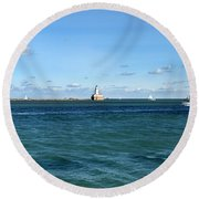 Chicago Illinois Harbor Lighthouse And Little Lady Tour Boat Usa Round Beach Towel