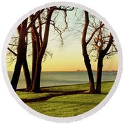 Chicago Lakefront Trail And Lincoln Round Beach Towel
