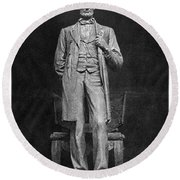 Chicago Lincoln Statue Round Beach Towel