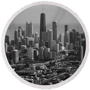 Chicago Looking East 01 Black And White Round Beach Towel