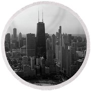 Chicago Looking South 01 Black And White Round Beach Towel