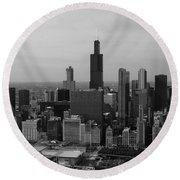 Chicago Looking West 01 Black And White Round Beach Towel