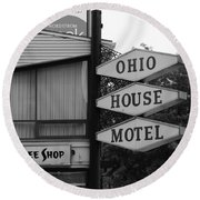 Chicago Motel Round Beach Towel