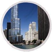 Chicago River Scenic Round Beach Towel