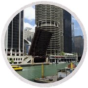 Chicago River Walk Construction Round Beach Towel