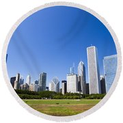Chicago Skyline From Grant Park Round Beach Towel