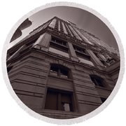 Chicago Towers Bw Round Beach Towel