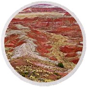 Chinde Point In Painted Desert In Petrified Forest National Park-arizona Round Beach Towel
