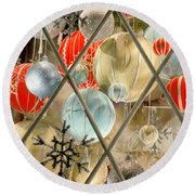 Christmas Decorations In Window Round Beach Towel