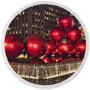 Christmas On 5th Avenue Manhattan 1 Round Beach Towel