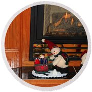 Christmas - Snowmen Collection- Fireplace Round Beach Towel
